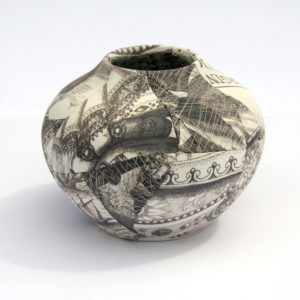 zoehillyard-ceramic-patchwork_elizabeth-vase-for-british-museum-2012_silk-ceramic-thread_12cmx16cm