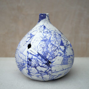 zoehillyard-ceramic-patchwork_spode-shatter-vase-2013_silk-ceramic-thread_20cmx19cm-2