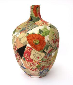 zoehillyard-ceramic-patchwork_spring-oriental-vase-2015_silk-linen-ceramic-thread_28cmx17cm